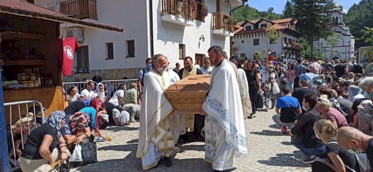 Молитвом Свети Зосиму  исцељен канцер на штитној жлезди једњаку и плућима (22. 10. 2020.)